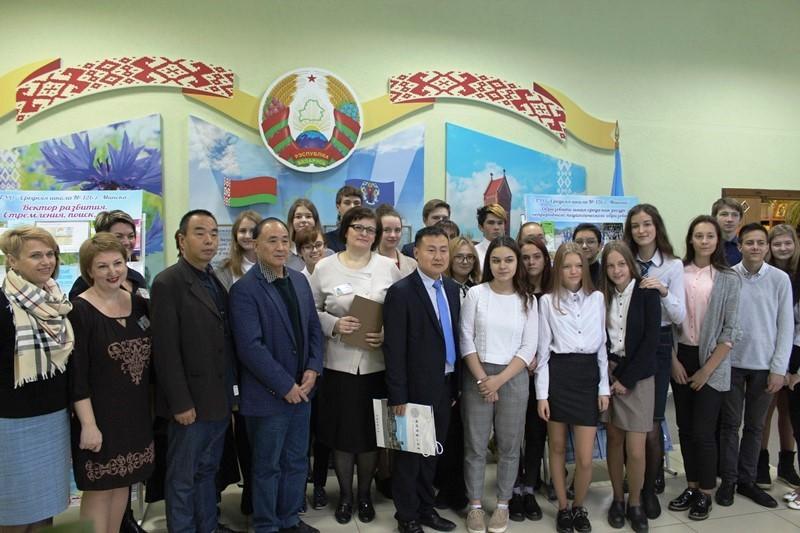 Китайская делегация посетила школу-лабораторию учебно-научно-инновационного кластера НПО