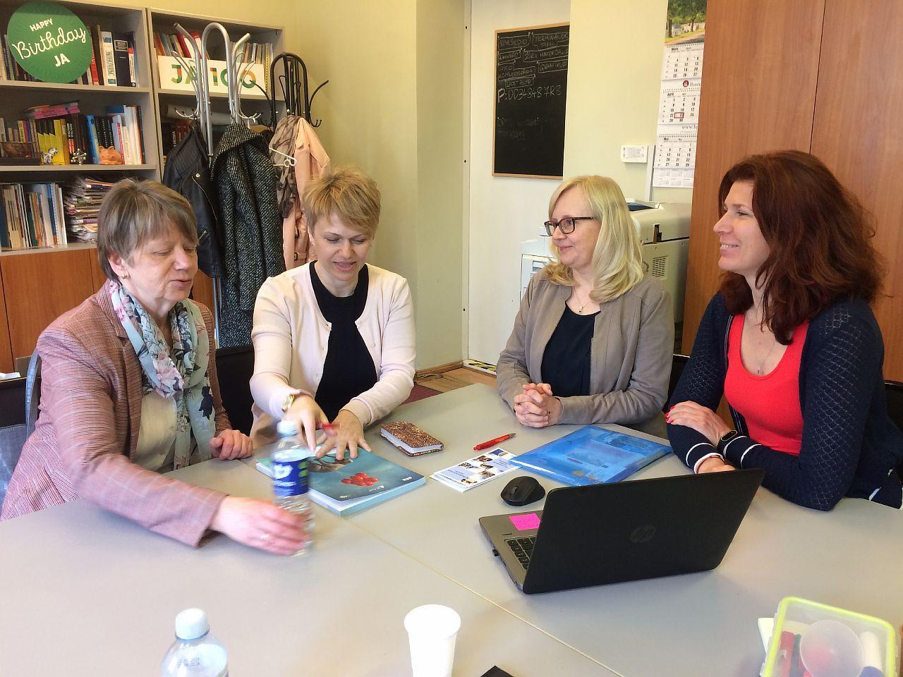 Начальник центра развития педагогического образования Александра Валентиновна Позняк в период с 22 по 26 апреля 2019 года по программе академической мобильности Эразмус+ прошла стажировку в Эстонии.