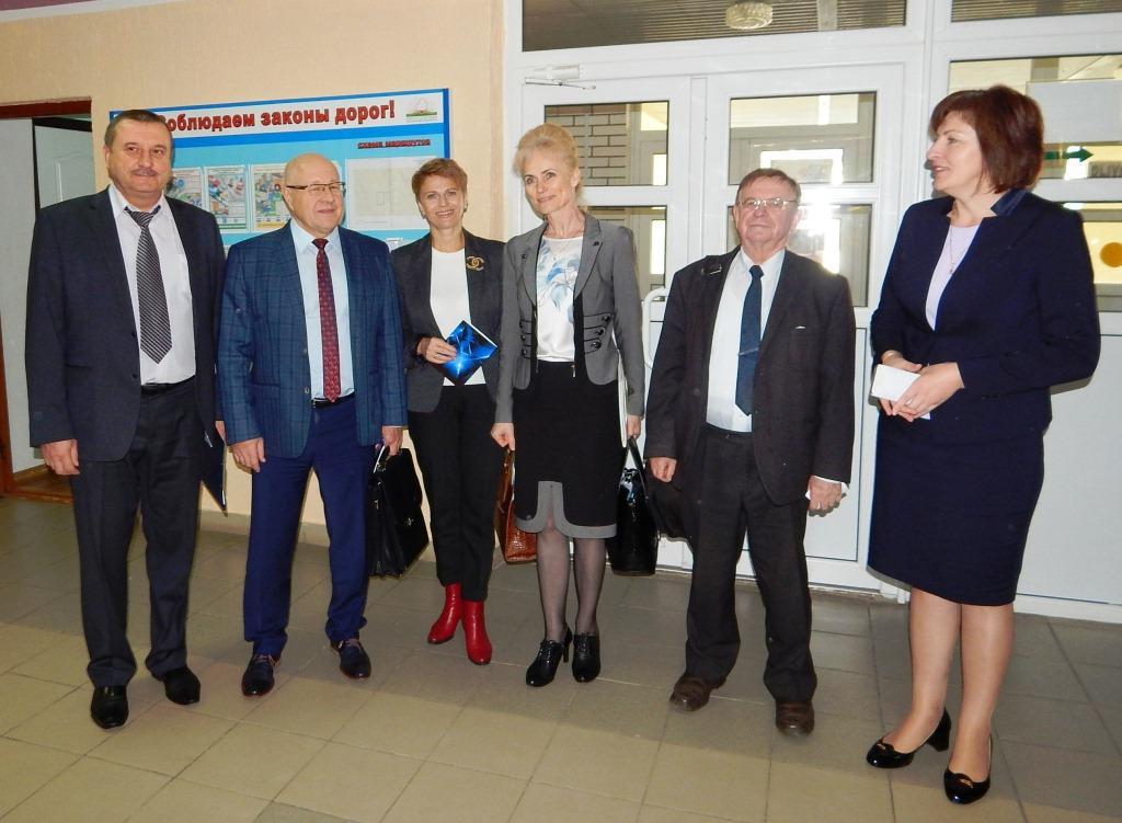17 октября 2019 года состоялось выездное заседание Координационного совета на базе ГУО «Средняя школа №8 г.Слонима»